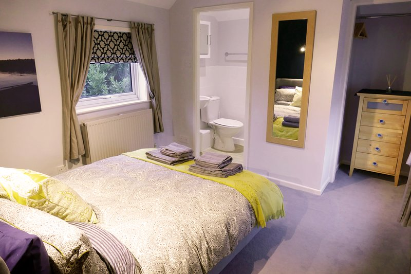 2 bedroom cottage near the train station with off street parking, vacation rental in New Forest National Park Hampshire