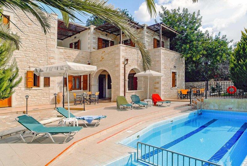 5 bed villa with annex, perfect for large parties, location de vacances à Asteri