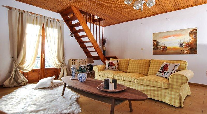 La Nonna Efrosini...Traditional maisonette, vacation rental in Divarata