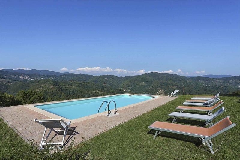 Castagnori Villa Sleeps 8 with Pool and WiFi - 5696083, holiday rental in Monsagrati