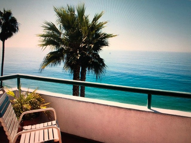 #1:LAGUNA BEACH!  BEST LOCATION! OCEANFRONT APARTMENT! Walk Beach,Everywhere!, vacation rental in Laguna Beach