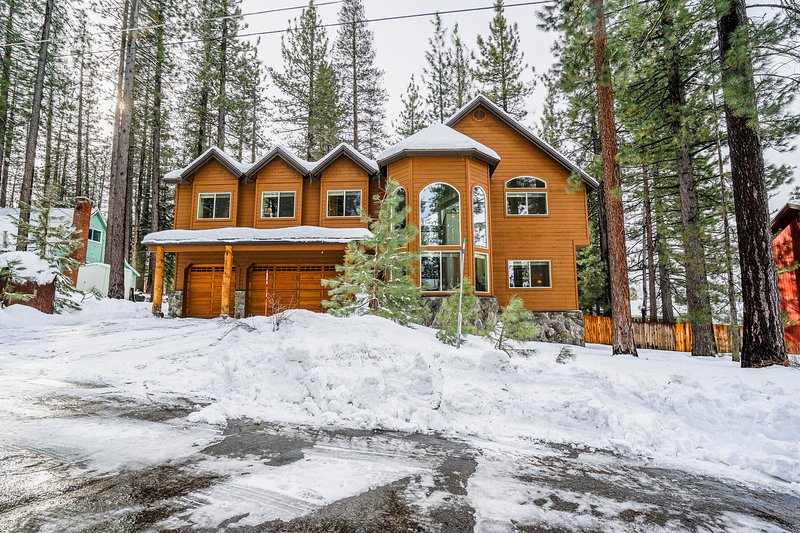 Make the most of your Lake Tahoe getaway at this stunning 6-BR, 3-BA chalet!