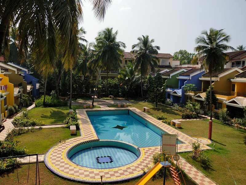 Sleek 1-Bedroom Apartment at Colva, Goa, alquiler vacacional en Colva
