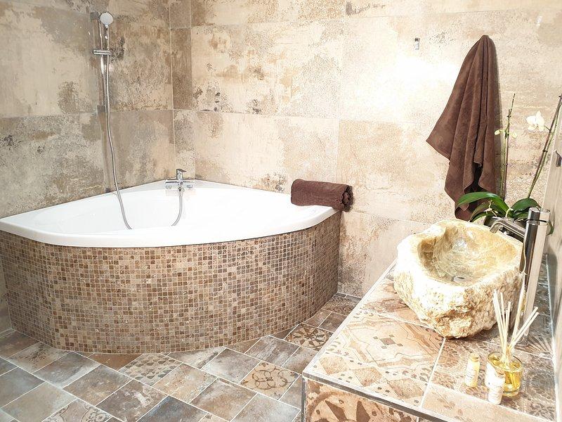 Casa Petre e Fiori, Chambres d'hôtes en Corse, Cervione, holiday rental in Canale-di-Verde