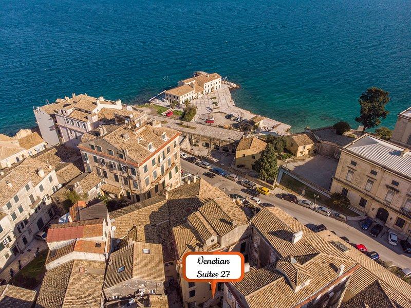 Vista aerea della spiaggia nelle vicinanze, a un minuto dalla proprietà
