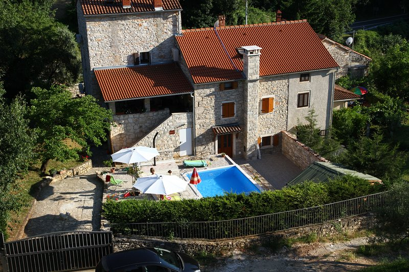 Villa with private pool, holiday rental in Dragonja