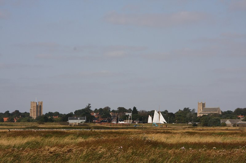 Only a short walk are the famous Orford Castle and Historic Church and Pump Street Bakery.
