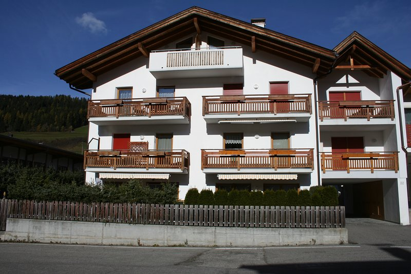 nice & sunny flat in the Dolomites, vacation rental in Valle di Casies
