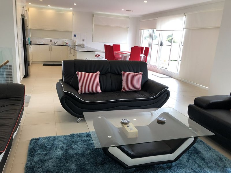 Cowes Holiday Haven - Sleeps 18 - Property 2, vacation rental in Cowes
