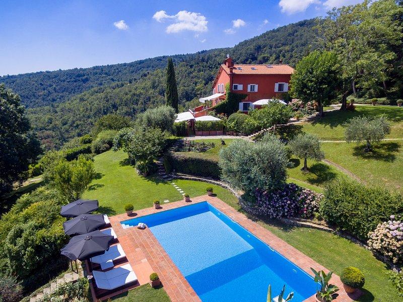 Villa Napoleone, luxury villa with pool near Florence, location de vacances à Bagno a Ripoli