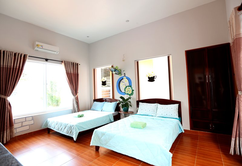 The Happy Ride 2 homestay - Daisy Room, holiday rental in Phu Thuy