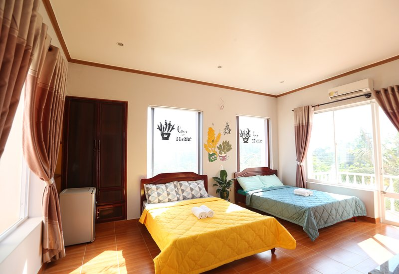 the Happy RIde 2 homestay - Cactus room, holiday rental in Phu Thuy