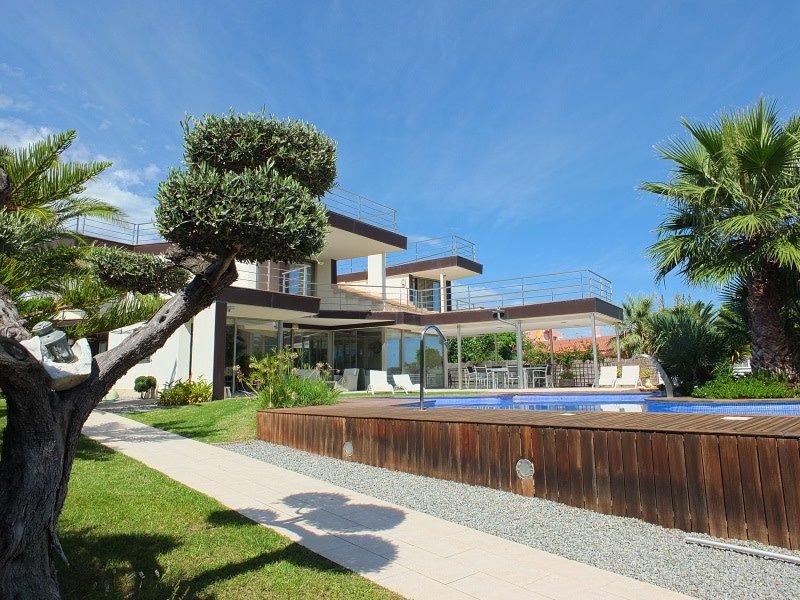 Villa Almadrava - A stunning architect designed contemporary 5 bedroom villa