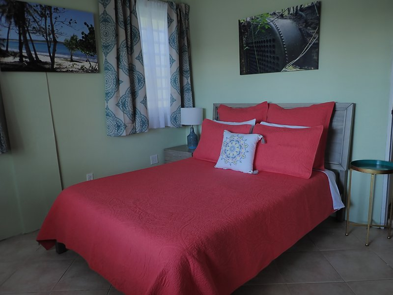 The Vieques Guesthouse - Room #4 - Single Room with Balcony, location de vacances à Esperanza