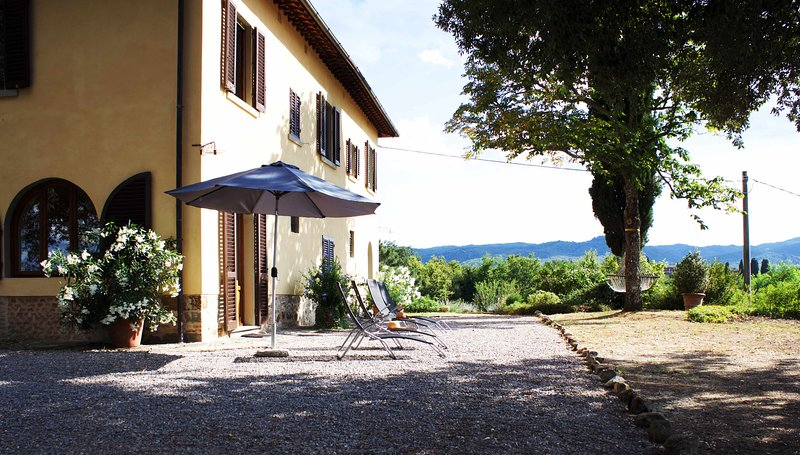 Casa Colonica at il PoggioloTuscany - 180° view onto the Chianti hills and the Valley of the Arno