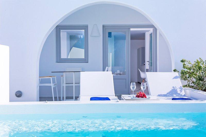 Alti Santorini Suites ( Premiere Suite with Sea View), location de vacances à Megalochori