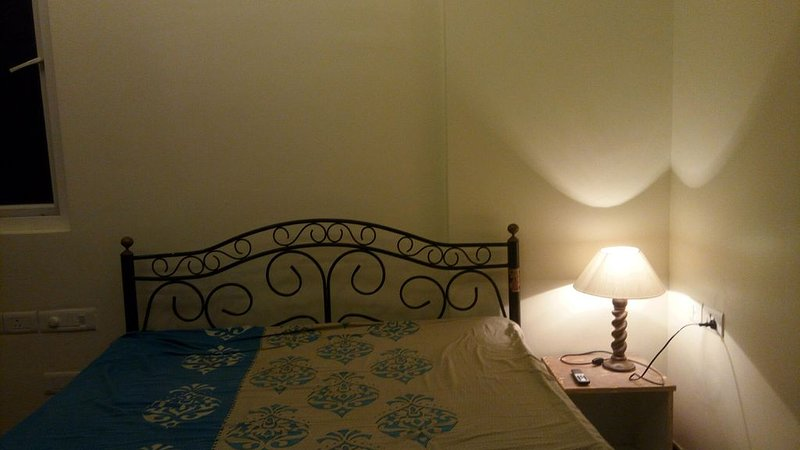 Spectacular 1 BR with attached bathroom, holiday rental in Hosur