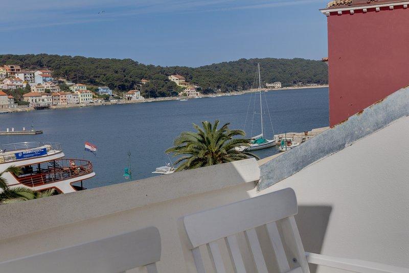 Mandarina - sea view apartment Nera, location de vacances à Veli Lošinj