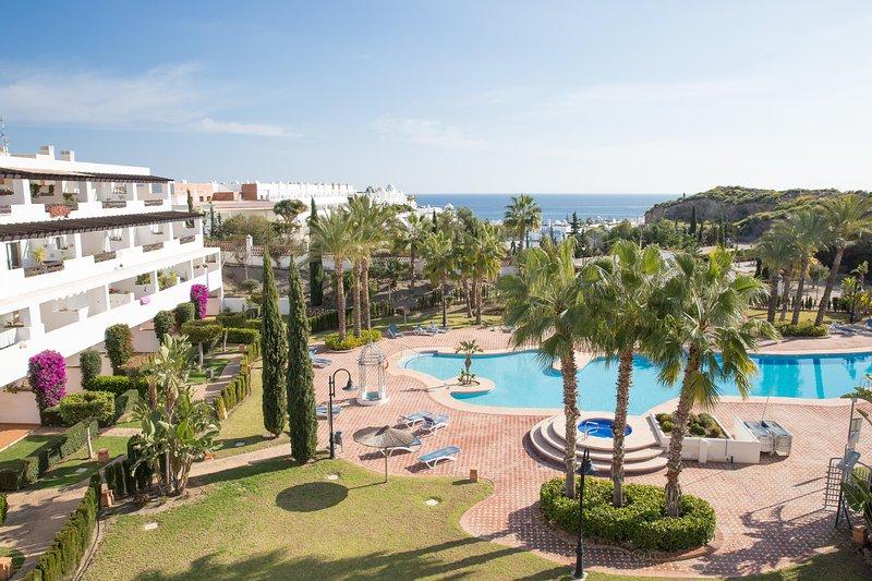 2 Bedroom Apartment with Sea Views, holiday rental in Mojacar Playa