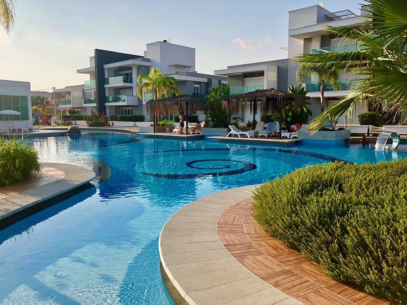 Luxury Apartment- Side - mit Dachterasse / roof Terrace, location de vacances à Side