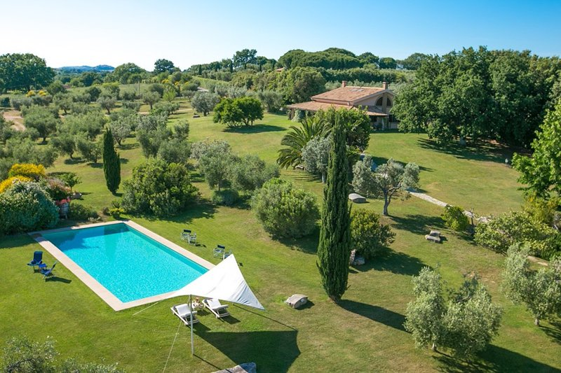Villa with pool in the middle of Maremma, vakantiewoning in Magliano in Toscana