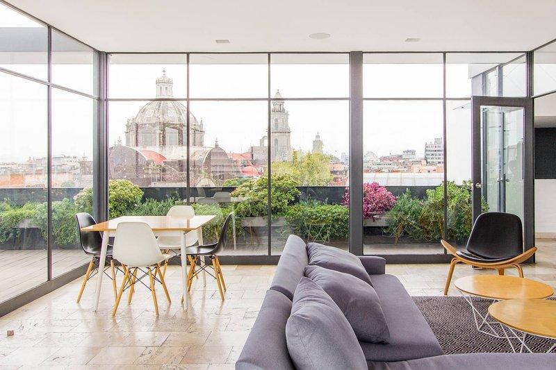 Departamento moderno y acogedor con roof garden cerca del Zócalo, holiday rental in Ecatepec