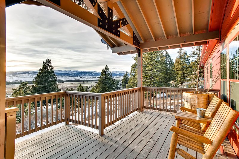 This is another view of the deck and the great views!