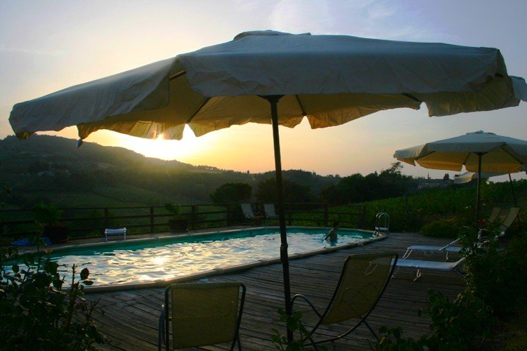 Nice apt with pool access & terrace, casa vacanza a Pancole