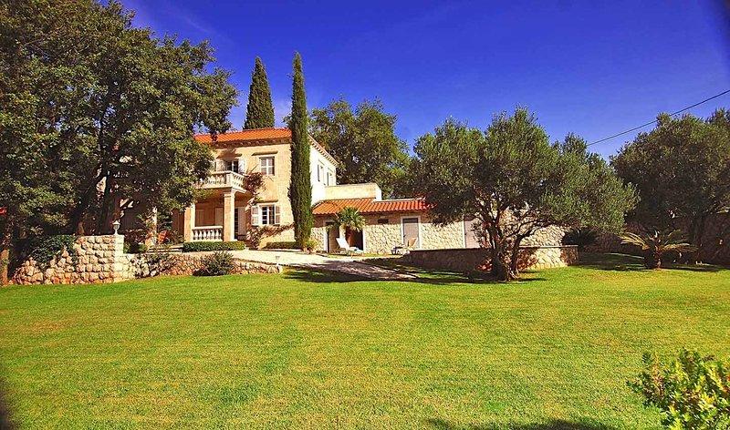 Villa Fantasia, location de vacances à Mocici