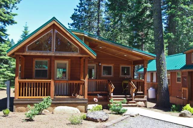 Beautiful mountain cabin getaway, just minutes from Hyatt Lake