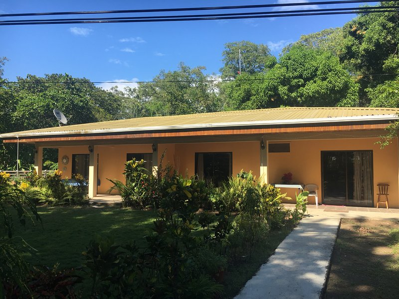 Beachfront Duplex in Tropical Paradise, holiday rental in Palo Seco
