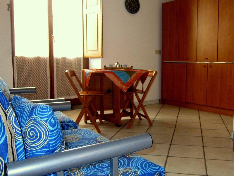 PIRCIATU Bello e pratico monolocale in centro storico, vacation rental in Lipari
