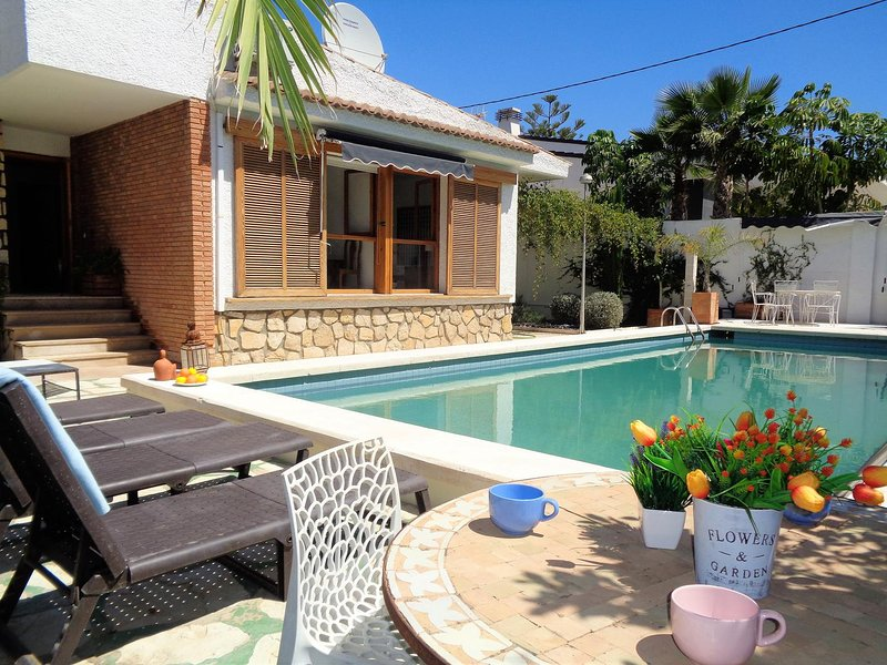 Olive Tree House, holiday rental in Alicante
