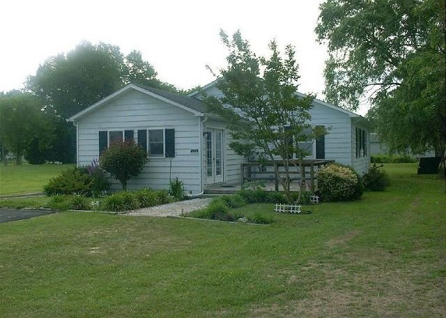Decolores - Water View - Single Family Home, holiday rental in Greenbackville