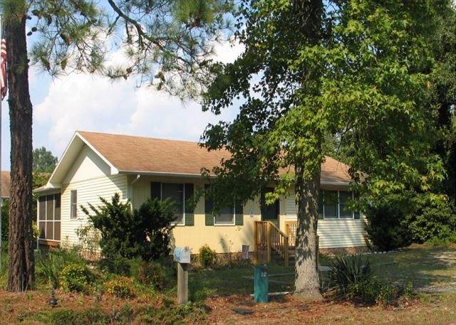 Big Pines - Single Family Home - Close to Town, location de vacances à Horntown