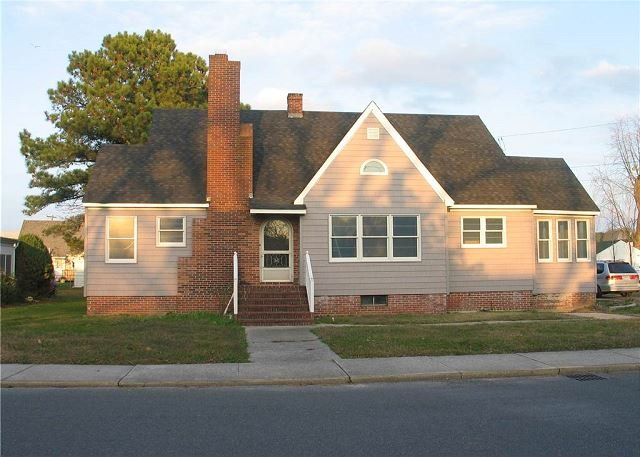 Poppy's House - Single Family Home - In Town, holiday rental in Greenbackville