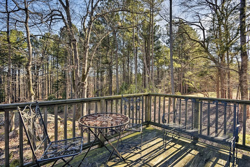 This peaceful wooded property is the perfect North Carolina retreat.