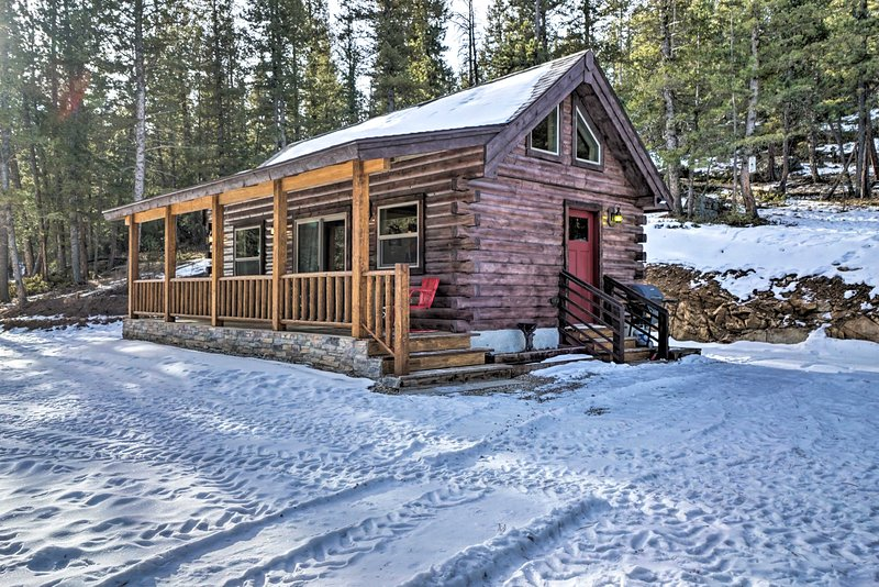 Private Red Feather Lakes Cabin on 2 Private Acres, vacation rental in Livermore