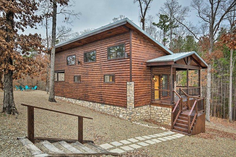 Honeymoon Studio w/Hot Tub 7 Mi to Broken Bow Lake, vacation rental in Hochatown