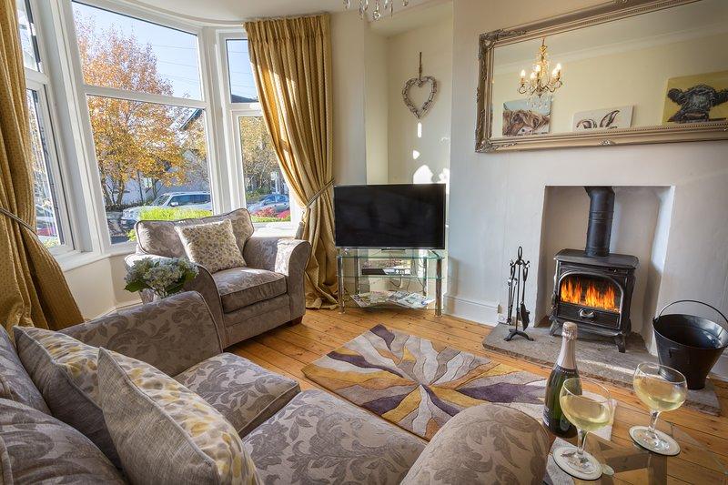Holly Cottage - Bowness, alquiler vacacional en Bowness-on-Windermere