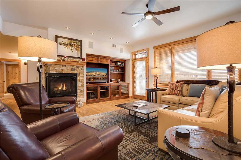 Bear Lodge 6108 - Trappeur's Crossing Resort, holiday rental in Steamboat Springs