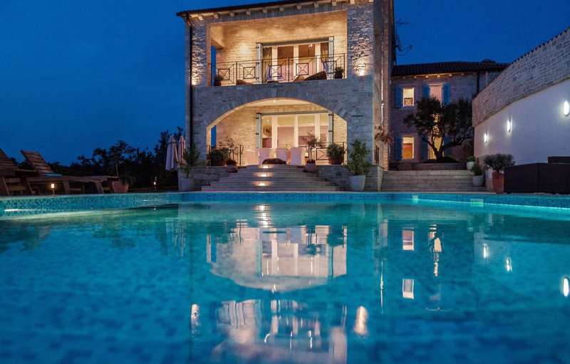Top Luxury 5 star Villa Istria Hill, vacation rental in Dragonja
