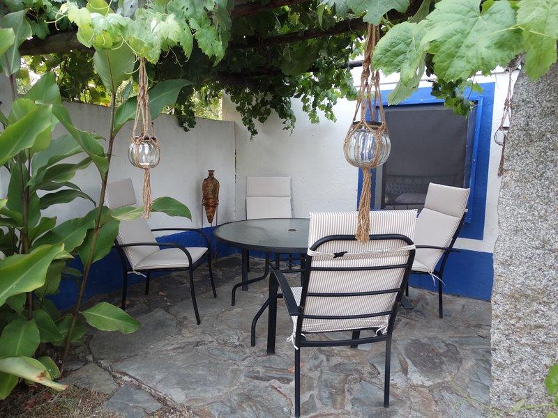 Santa Maria at Quinta do Alfaval near Vila Viçosa, vacation rental in Rio de Moinhos