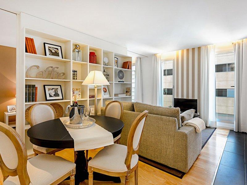 UD Rambla Suites & Pool 61D (1BR) Suite, vacation rental in Barcelona