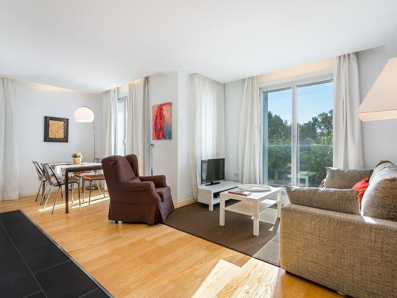 UD Rambla Suites & Pool 22 (1BR), vacation rental in Barcelona