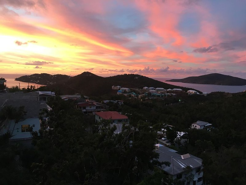 Island Living in your own Caribbean Villa 4, Ferienwohnung in Charlotte Amalie