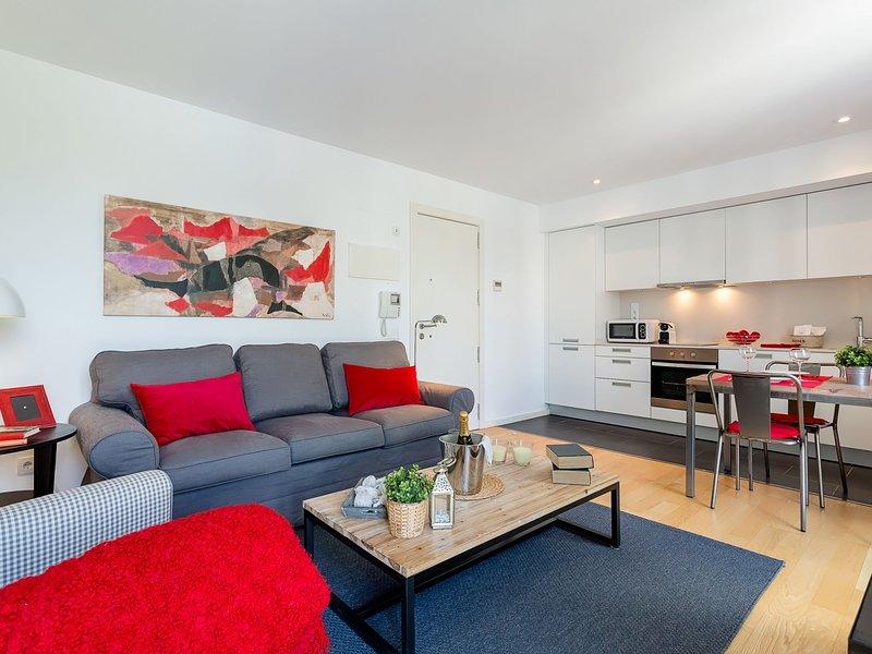 UD Rambla Suites & Pool  24 (1BR), vacation rental in Barcelona