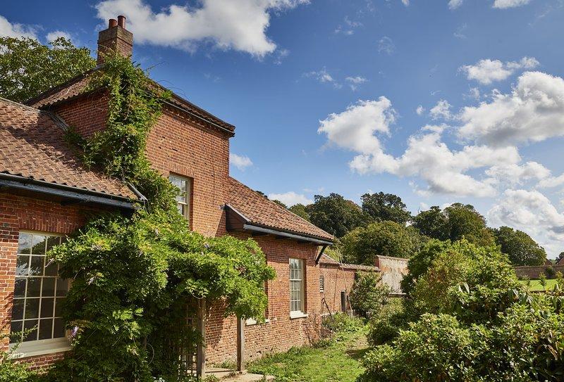 Garden House, holiday rental in Banningham