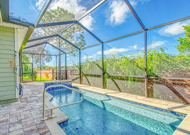 Three Ys: Lovely Getaway w/ Private Saltwater Pool - Steps to Beach!, holiday rental in Crescent Beach