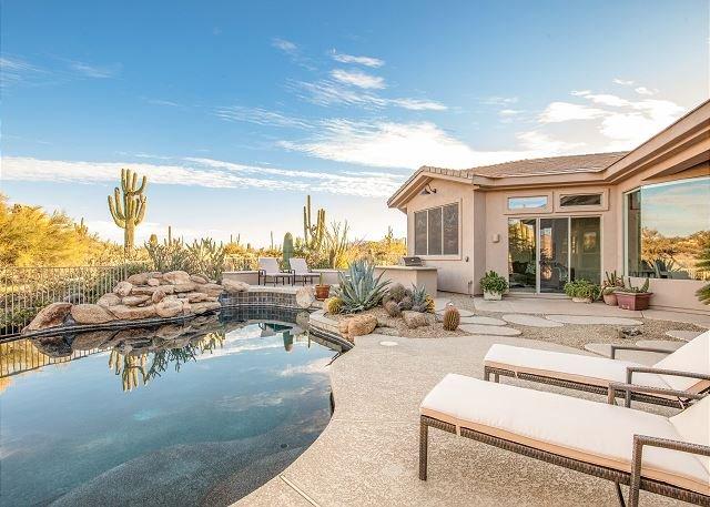 Desert Entertainment Paradise! Luxe Villa w/ Outdoor Kitchen & Lagoon Pool, vacation rental in Carefree